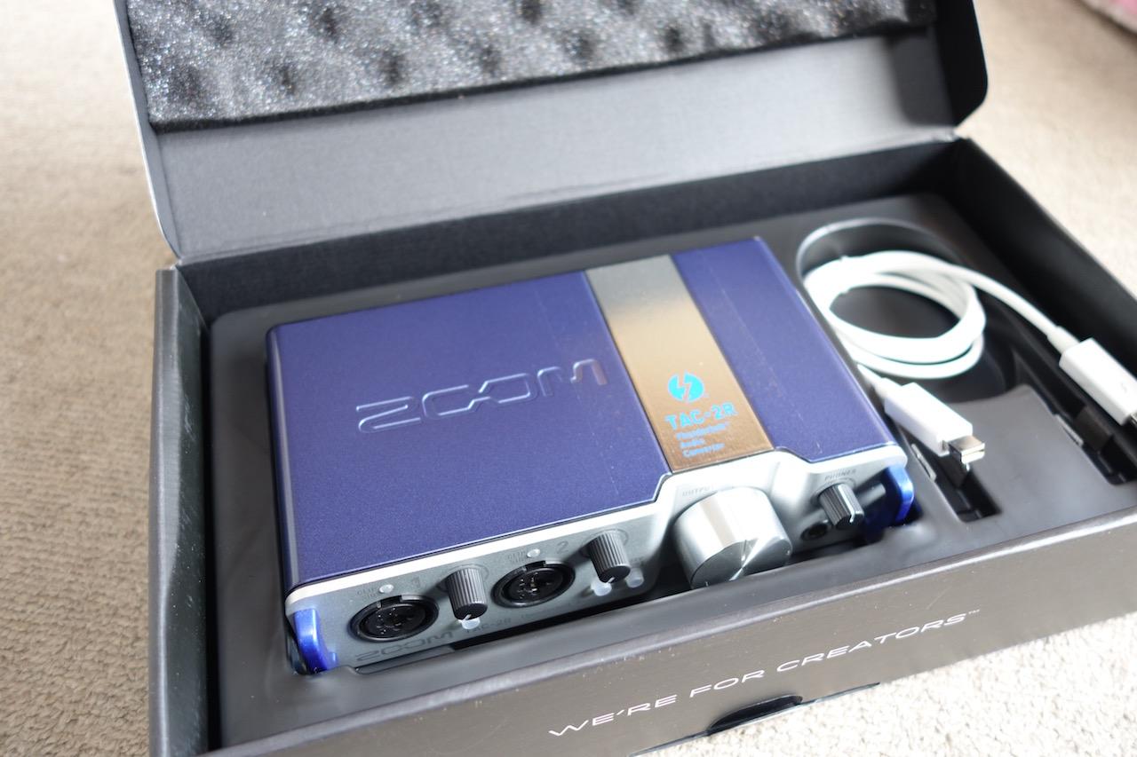20年ぶりにDTMを始めようと思ってZOOMのTAC-2Rというオーディオインターフェイスを買ってみた